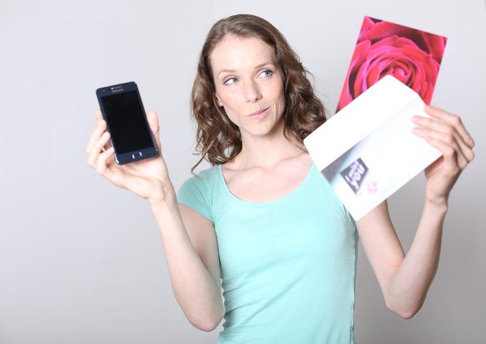 E.ON Energie-Studie: Jeder Zweite gesteht seine Liebe via Smartphone oder SMS
