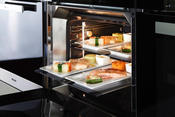 """Miele auf dem IMB in Berlin: Erste IFA-Neuheiten / Gourmet-Restaurant kommt nach Hause - Miele beteiligt sich an neuem Geschäftsmodell """"MChef"""" (FOTO)"""