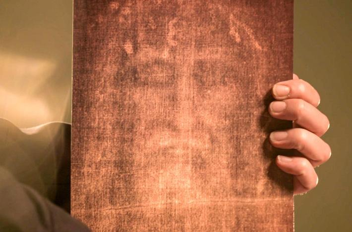 Diese Detailaufnahme des Grabtuches von Turin zeigt angeblich das Gesicht von Christus. Handelt es sich hierbei um einen authentischen Abdruck des Heiligen oder lediglich um ein aufgemaltes Porträt? / Weiterer Text über ots und www.presseportal.de/nr/9021 / Die Verwendung dieses Bildes ist für redaktionelle Zwecke unter Beachtung ggf. genannter Nutzungsbedingungen honorarfrei. Veröffentlichung bitte mit Bildrechte-Hinweis.
