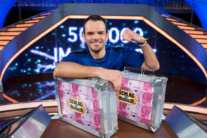 """Wer gewinnt eine halbe Million Euro bei """"Schlag den Henssler"""" live auf ProSieben?"""