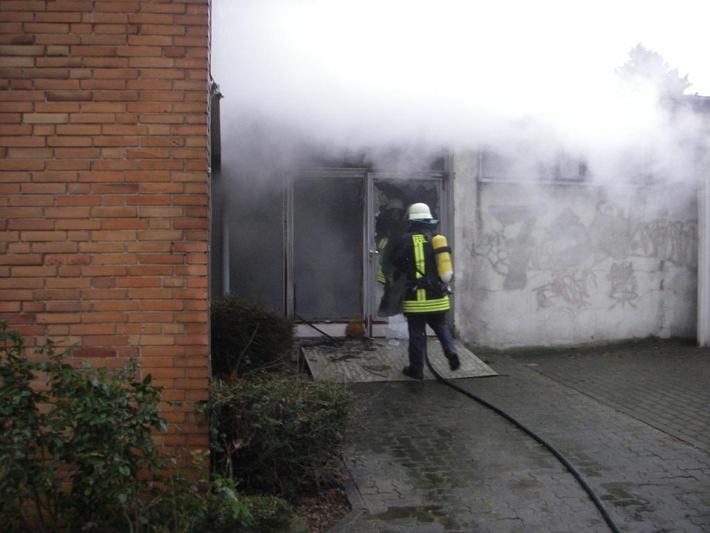 POL-DN: Brand an der Grundschule
