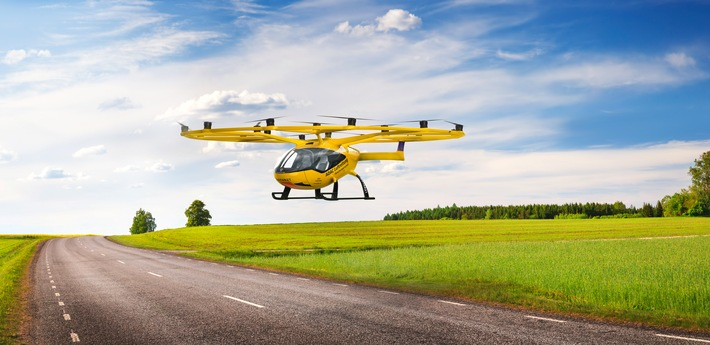 ADAC_LRG_Volocopter_fliegend_eciRGB_rz_2000x973.jpg