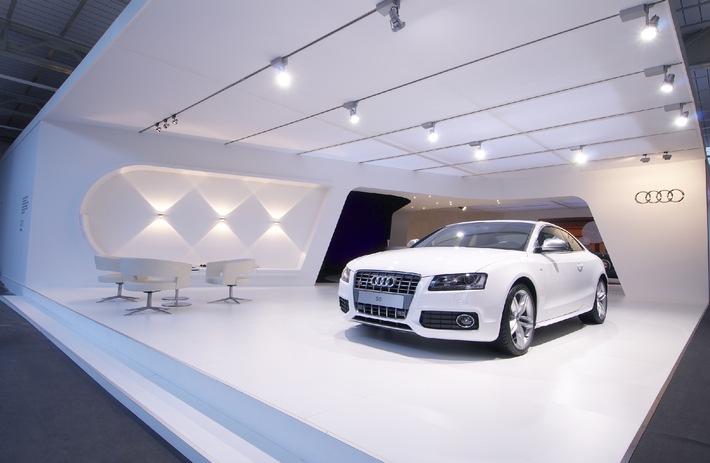 """Audi Stand mit Audi S5. Die Verwendung dieses Bildes ist für redaktionelle Zwecke honorarfrei. Abdruck bitte unter Quellenangabe: """"obs/Audi AG"""""""