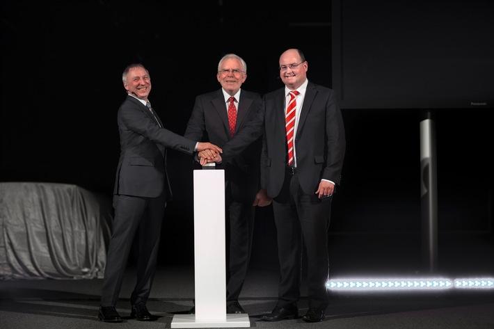 Audi macht die Nacht zum Tag: neues Lichtassistenzzentrum