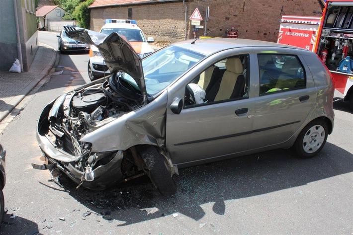 POL-PDKL: Verkehrsunfall mit Leichtverletzten