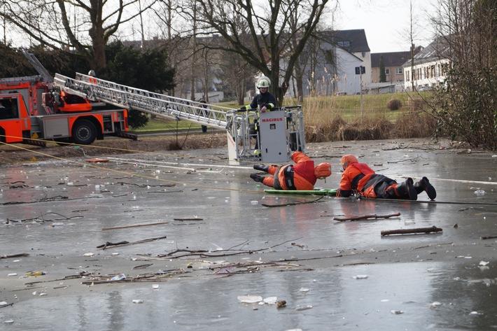 Drehleiter im Niederflurbetrieb (Foto Janetschek)