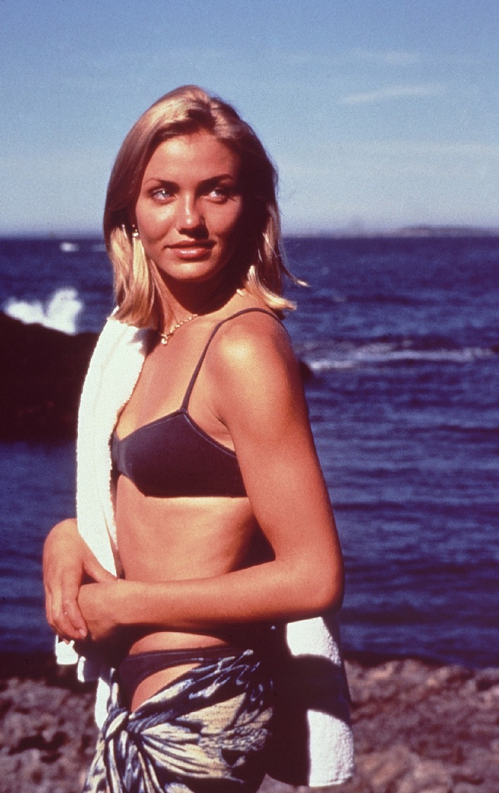 Kopf über Wasser: Die schöne Nathalie (Cameron Diaz) flittert mit ihrem Ehemann auf einer kleinen Insel. Abdruck honorarfrei bei Sendehinweis auf Tele 5 bis 2 Tage nach Ausstrahlung. Verwendung nur mit Copyrightvermerk.