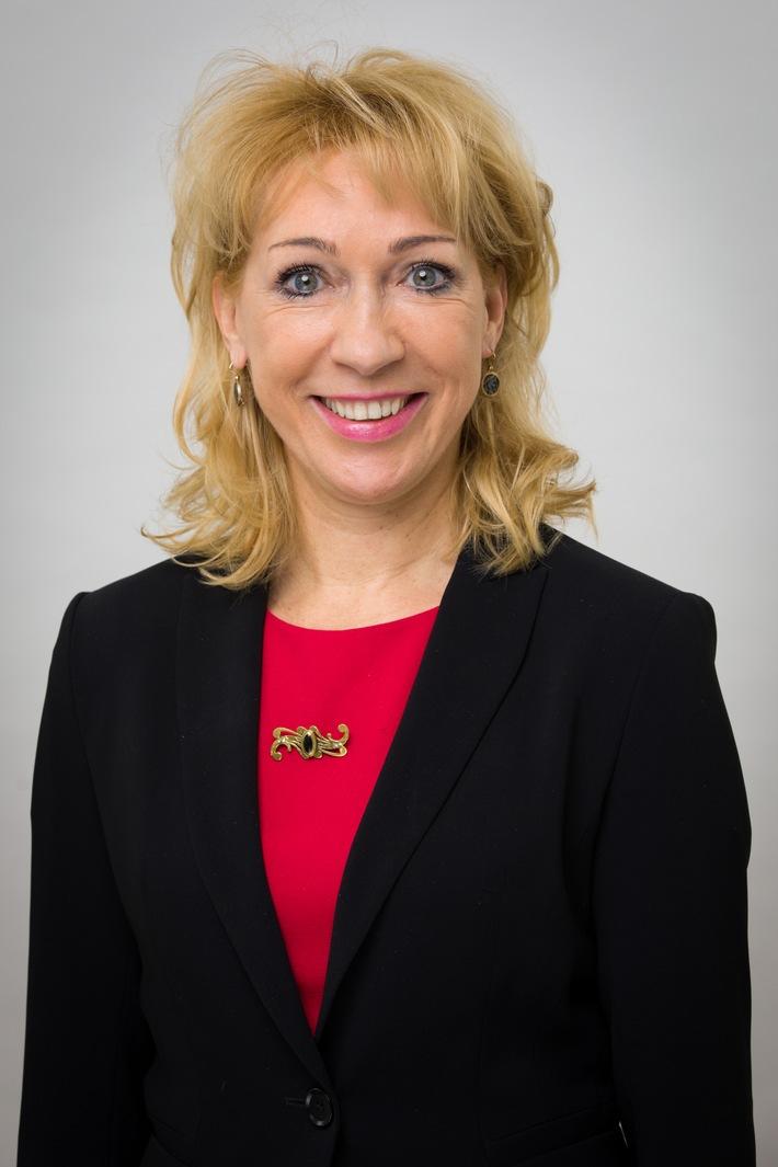 Heidrun Irschik-Hadjieff verstärkt den Vorstand des BPI - Personelle Veränderungen im Bundesverband der Pharmazeutischen Industrie (FOTO)