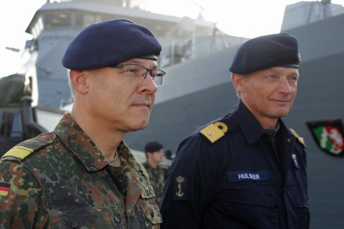 Flottillenadmiral Jan C. Kaack und Commodore Jan Hubert Hulsker