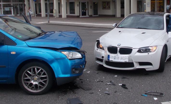 POL-PDNW: Verkehrsunfall mit zwei Verletzten