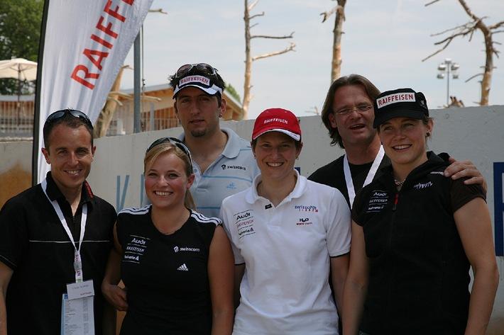 Raiffeisen: Erfolgreiche Sportler an der nationalen Schlussfeier des 38.Internationalen Raiffeisen-Jugendwettbewerbes