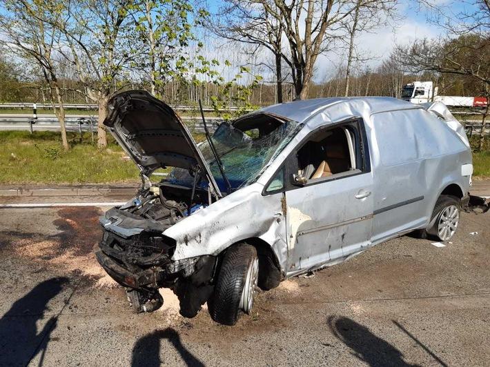 FW Bremerhaven: Verkehrsunfall auf der BAB 27
