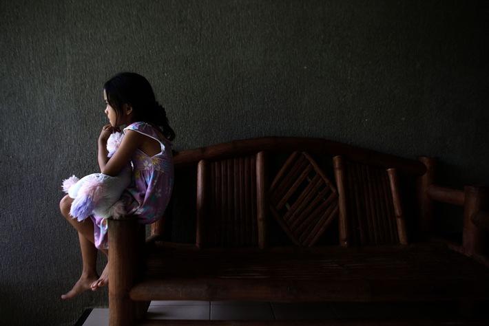 Schätzungsweise drei Viertel der zwei- bis vierjährigen Kinder weltweit – rund 300 Millionen Mädchen und Jungen – erleben körperliche oder verbale Gewalt durch ihre Erziehungsberechtigten zu Hause. | © UNICEF/UN014958/Estey
