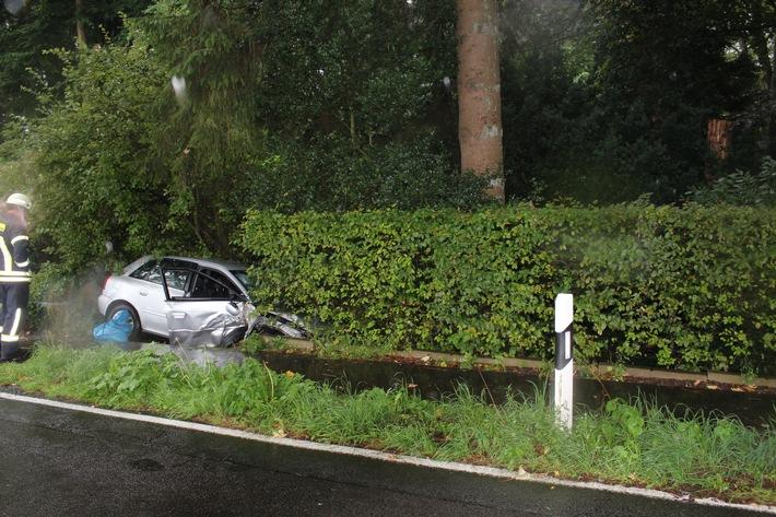 POL-RBK: Burscheid -  Schwerer Unfall in Lamerbusch