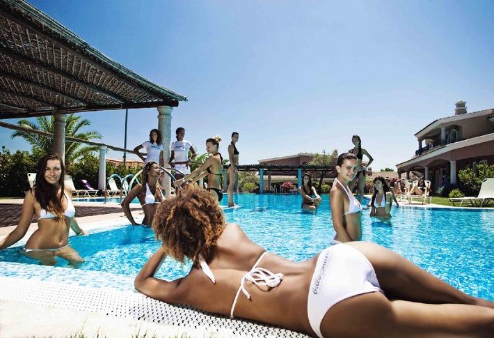 Ein Pool im Wohnzimmer: Milliardenerbin Tamara Ecclestone (26) schwimmt im Luxus (mit Bild)