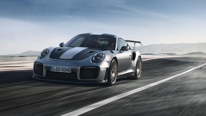 """Porsche 911 GT2 RS. Weiterer Text über ots und www.presseportal.ch/de/nr/100050872 / Die Verwendung dieses Bildes ist für redaktionelle Zwecke honorarfrei. Veröffentlichung bitte unter Quellenangabe: """"obs/Porsche Schweiz AG"""""""