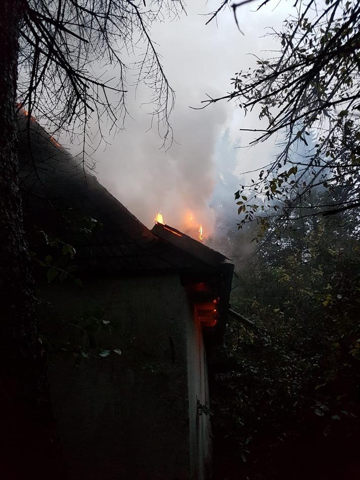 Einsatzbild der Feuerwehr Velbert vom Brandort (Bild 3) / Quelle: Feuerwehr Velbert