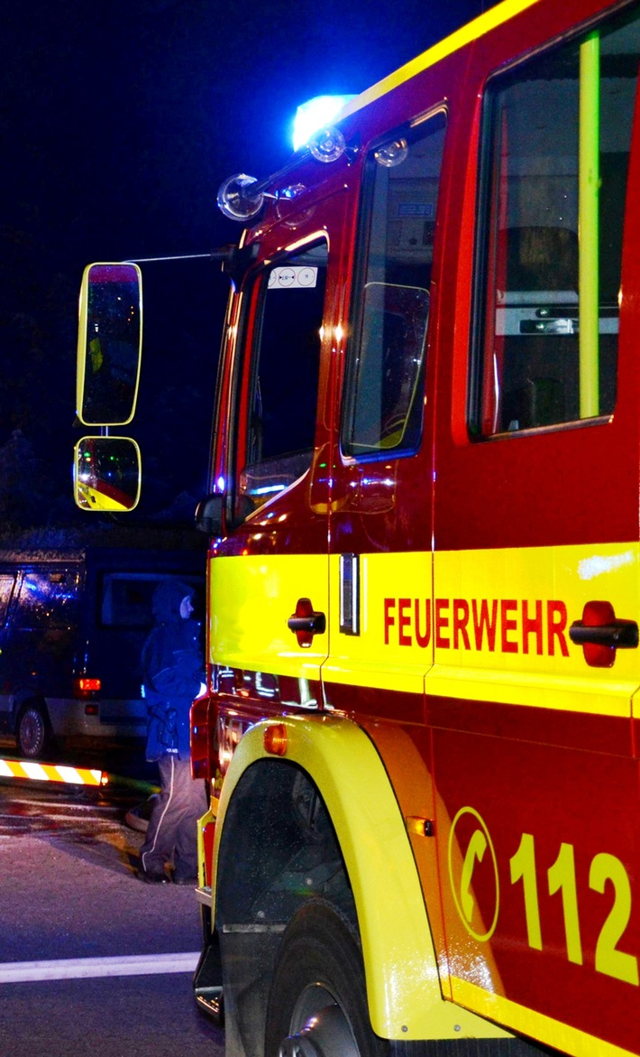 POL-ME: PKW geriet in der Fahrt in Brand - Ratingen - 1708049