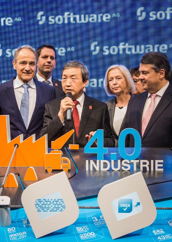 CeBIT 2015: Vizekanzler Gabriel besucht Software AG