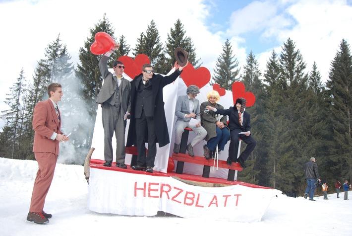 Tolle Stimmung bei Stroh Juchhee 2014 in der Zillertal Arena - BILD