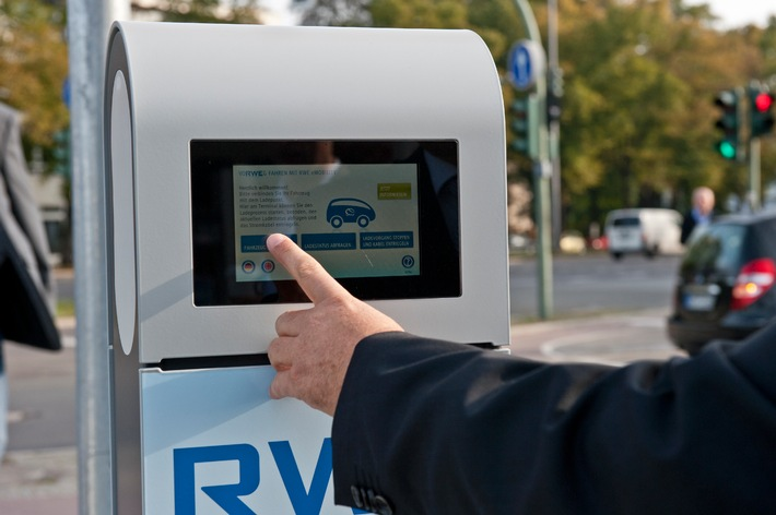 Strom tanken 2.0: RWE Effizienz bietet Kunden intelligentes Lademanagement