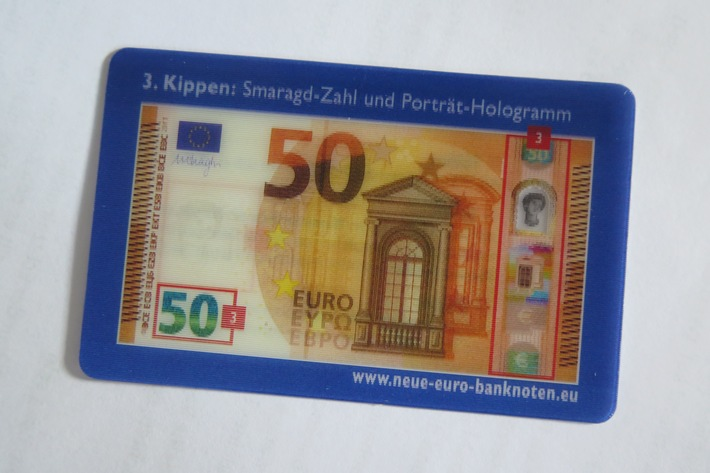 Wechselbild-Karte, die Sicherheitsmerkmal der neuen 50-Euro-Note darstellt