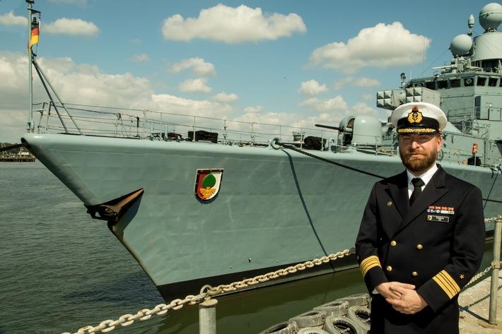 "Fregattenkapitän Taedke, Kommandant Fregatte ""Augsburg"""