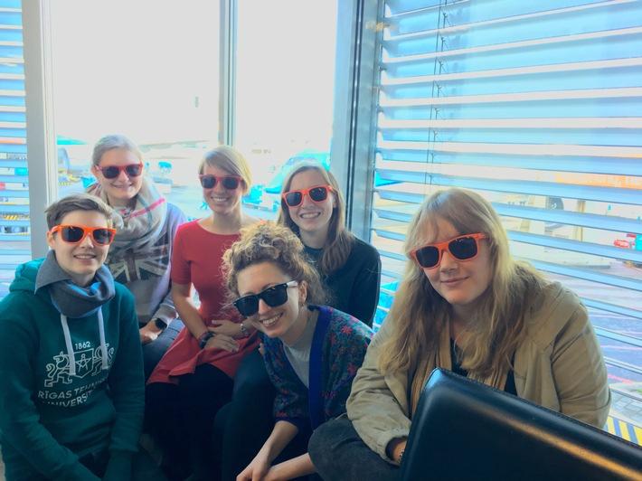"""Frauen in der Informatik. Die Stipendiatinnen 2018 reisen gemeinsam zur Grace Hopper Celebration nach Houston, Texas. Weiterer Text über ots und www.presseportal.de/nr/22537 / Die Verwendung dieses Bildes ist für redaktionelle Zwecke honorarfrei. Veröffentlichung bitte unter Quellenangabe: """"obs/HPI Hasso-Plattner-Institut/HPI/B. Thamm"""""""