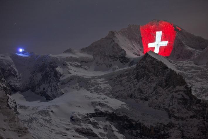 Pioneering spirit in the Swiss Alps / Light artist Gerry Hofstetter illuminates the Jungfrau
