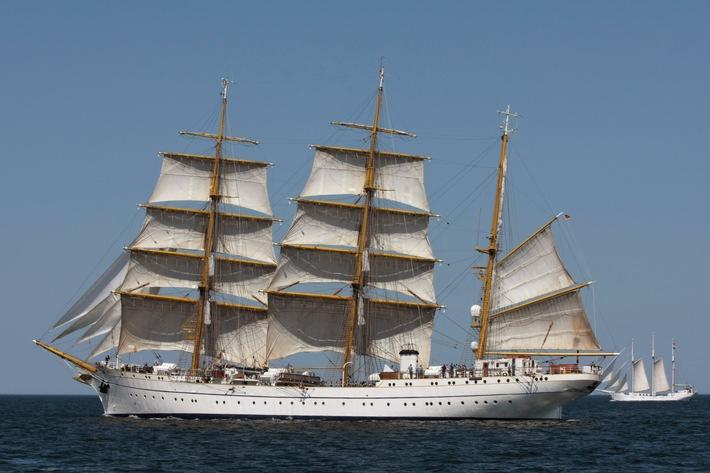 Das Segelschulschiff Gorch Fock ins See