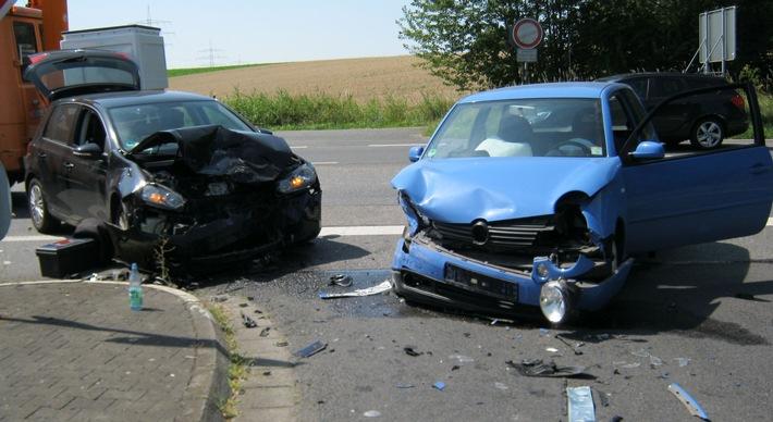 Drei Schwerverletzte bei Unfall