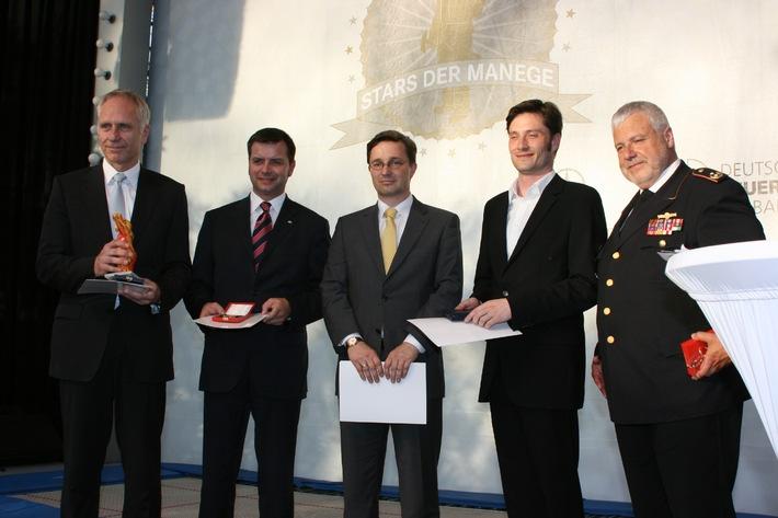 Gute Partnerschaft: Feuerwehrverband und Industrie /  Interschutz-Galaabend von Deutschen Feuerwehrverband und Mercedes-Benz