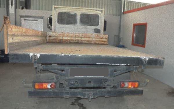 POL-NB: Zeugenaufruf nach fehlenden Fahrzeugteilen - Tatverdächtiger hat augenscheinlich mehrere Verkehrsunfälle mit Unfallflucht begangen