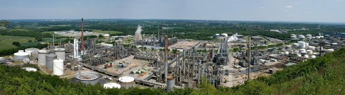 Blick auf die Raffinerie in Gelsenkirchen Scholven