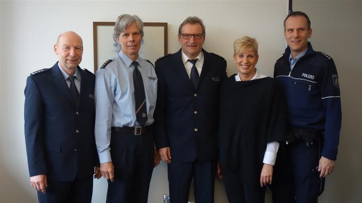 EPHK Udo Linnenbrink, LPD Karsten Fehring, PHK Ulrich Beileke, Dagmar Beileke und PHK Patrick Schlüter