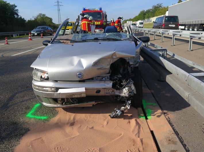 POL-FR: Efringen-Kirchen: Schwerer Verkehrsunfall auf der A 5 - Rettungshubschrauber im Einsatz - Autobahn voll gesperrt