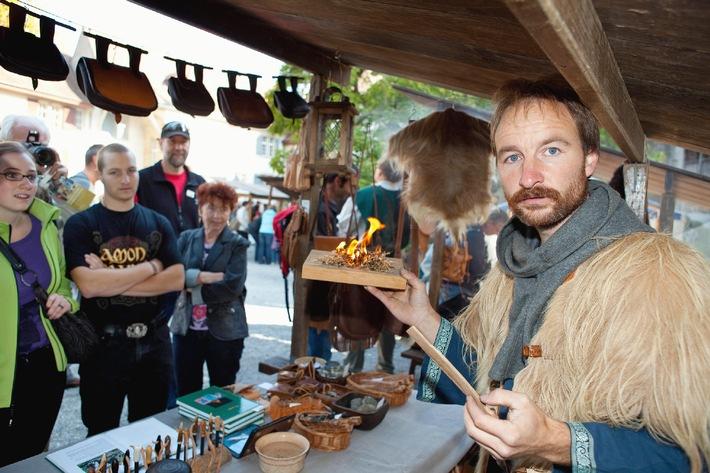 Die Lenzburg wird zum mittelalterlichen Marktplatz / Von Freitag 16. bis Sonntag 18. September 2011 findet im Schlosshof Lenzburg der traditionelle Mittelaltermarkt statt