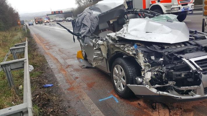 Pol Wi Schwerer Verkehrsunfall Auf Der Bab 3 Zwischen Limburg