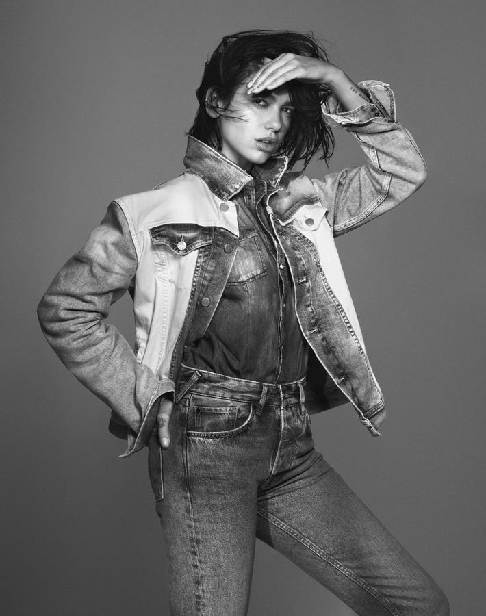 Pepe Jeans London verkündet DUA LIPA als globaler Markenbotschafter