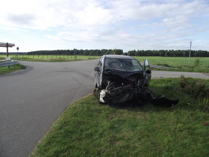 POL-HST: Verkehrsunfall nahe Born mit verletzten Personen