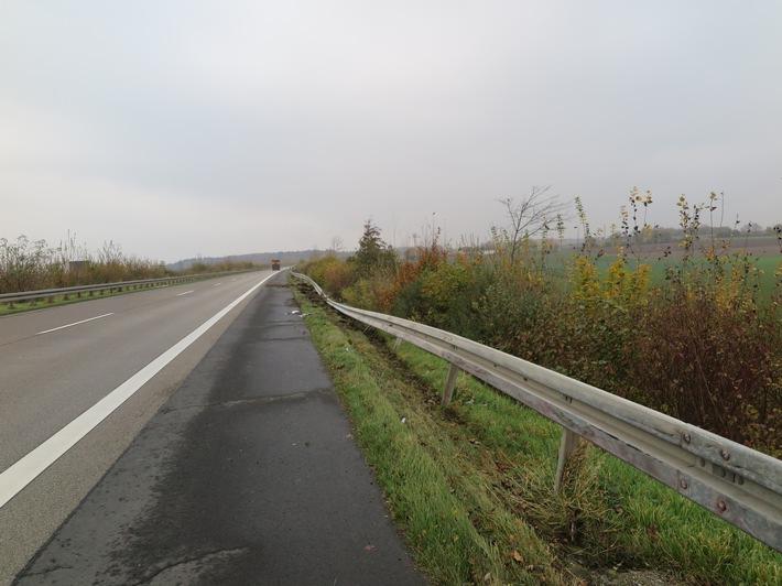 70 Meter Leitplanke durch LKW auf der A45 bei Wölfersheim beschädigt - Zeugen gesucht