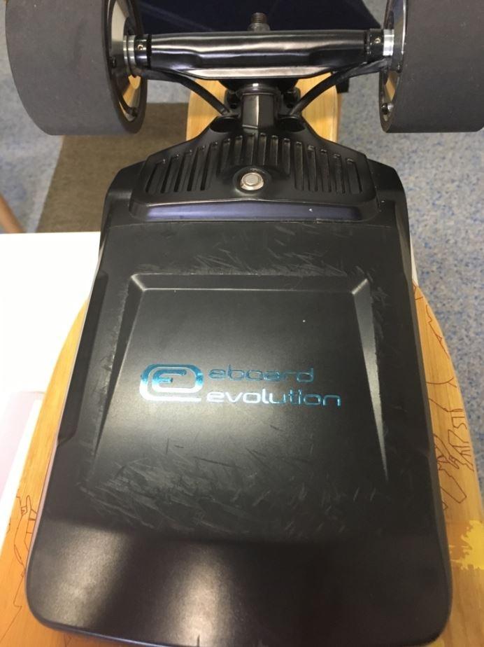 POL-PDLD: Longboard mit Elektroantrieb