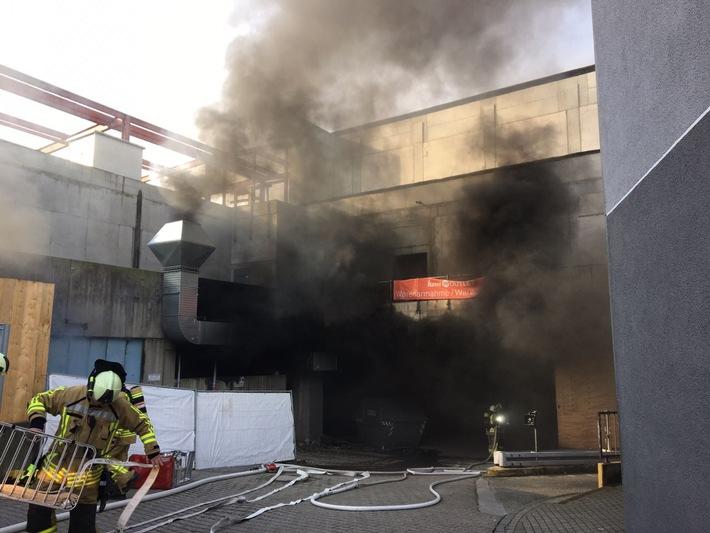 Brand in der Bottroper Innenstadt (1)