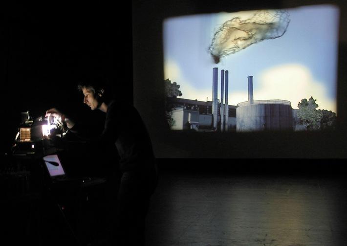 Magisches Lichtspieltheater / Das Migros-Kulturprozent zeigt ein Lichtfilmtheater von Julien Maire