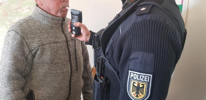 Die Bundespolizisten beendeten die Fahrt eines alkoholisierten österreichischen Fahrers