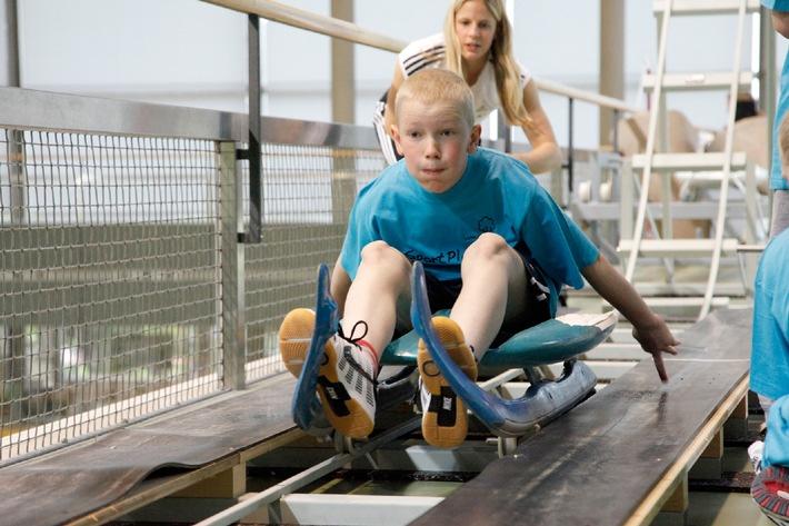 Lungenliga: Spitzensportler begleiten asthmakranke Kinder auf Parcours