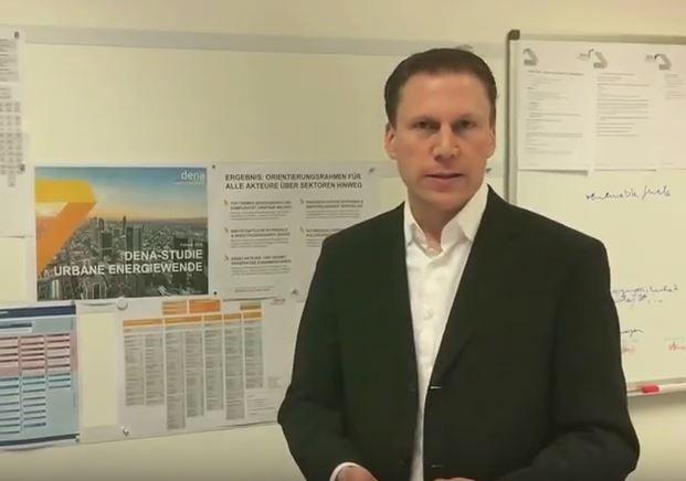 Studie zur urbanen Energiewende: dena-Experte Christoph Jugel im Video.