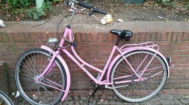 Wem gehört dieses auffällige Fahrrad?