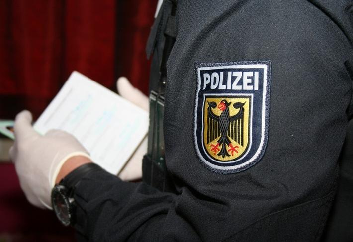Die Rosenheimer Bundespolizei hat bei Grenzkontrollen einen Türken und eine Nigerianerin festgenommen.