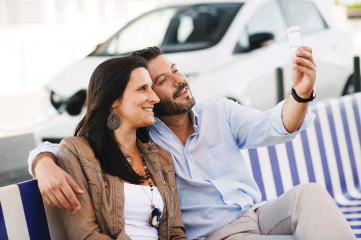 Was ist deutschen Vielfahrern wichtiger - Smartphone oder Auto?